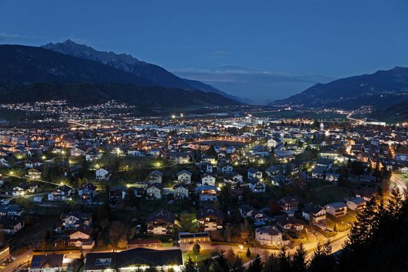 Wattens by night