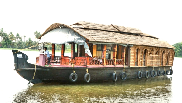 Kerala houseboat all seasons cruise and tours