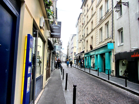 rue Mouffetard in Latin district Paris