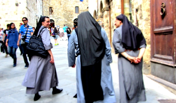 San Gimignano Nuns