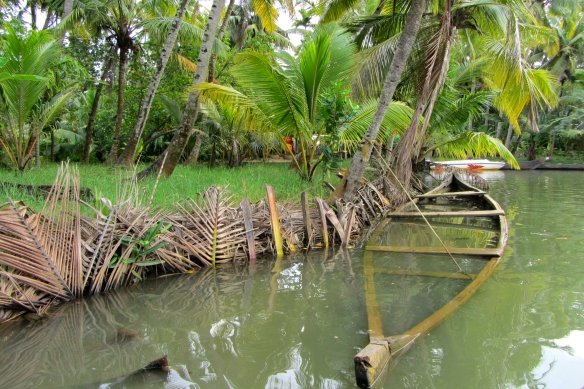 Quilon backwaters boat trip off the beaten track Kerala